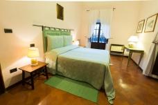 villa-taticchi-bedroom